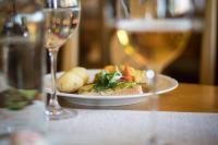 Middagsbord på restaurang i Tällberg.